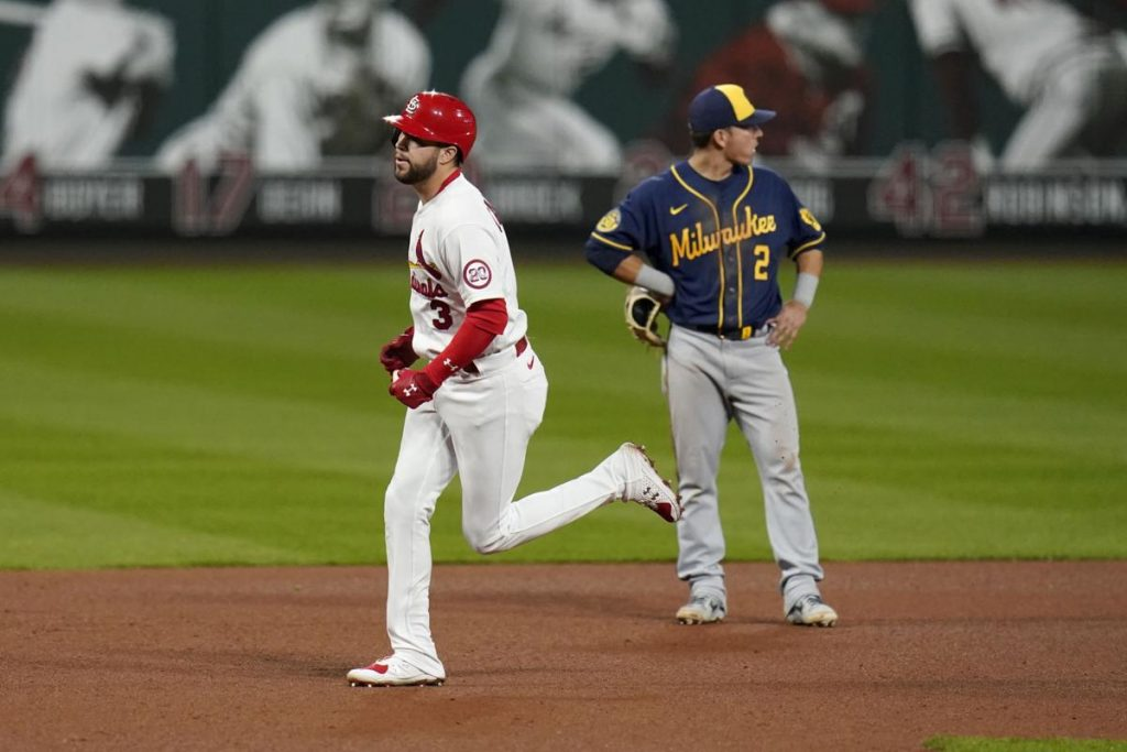 The Biggest Series of the Year Between the Cardinals and Brewers!